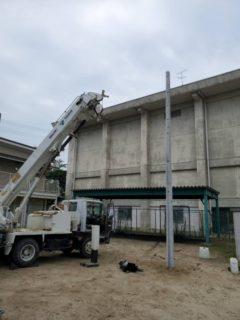 杉本電気クレーン株式会社の工事をご紹介!野球部のネット柱の工事!